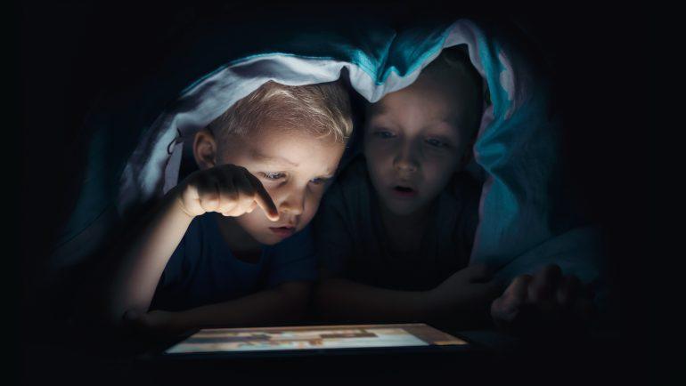 copii pe internet